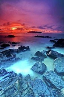 Muslianshah Bin Masrie: Sunset captured at Turtle Beach, Singkawang.