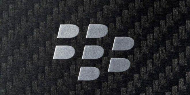 BlackBerry Passport se deja ver en vídeo filtrado - http://www.esmandau.com/161832/blackberry-passport-se-deja-ver-en-video-filtrado/