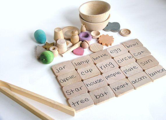 Object and word matching game. Bonus fine motor skills development.