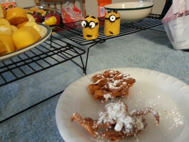 Minion Twinkie cupcakes I made for my daughter's birthday! Twelve hours so exhausting lol I officially can't stand minions lol but the homemade funnel cakes my mom made , made all that disappear lol