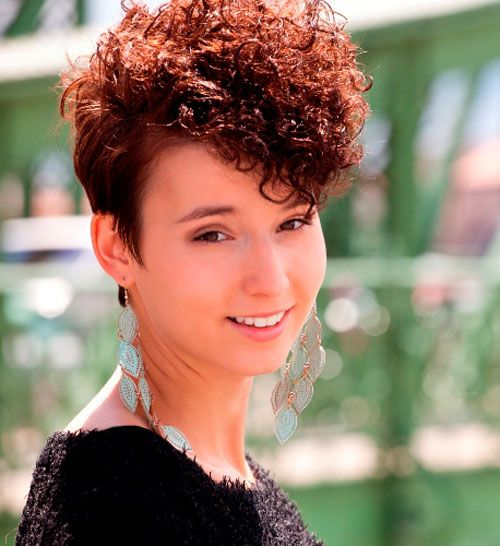25 dazzling permed short hairstyles  cool  trendy short