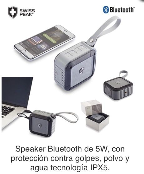 Speaker Bluetooth de 5W, con protección contra golpes, polvo y agua tecnología IPX5. Resistente al agua (no sumergible). Funciona como manos libres, con salida AUX. Batería de 1500 mAh. Tipo de Producto: IMPORTADO. Medidas: 9.5 cm x 8.5 cm x 5 cm. Área de Marca: 3 cm  Técnica de Marca: Tampografía Colores Disponibles: Negro/Gris.