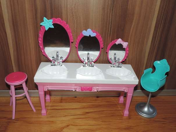 Die besten 25+ barbie Badezimmer Ideen auf Pinterest Barbie haus - barbie wohnzimmer möbel
