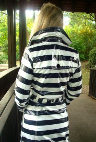Lackmantel-Raincoat-Regenmantel-Vintage-neuwertig-Nylon-PVC-Lack-Barbara-Farber