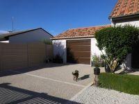 Garage simple entrée, avec toiture en tuile