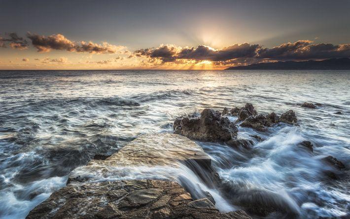 Lataa kuva Kreikka, meri, aallot, pilvet, aamulla, rannikolla, kesällä