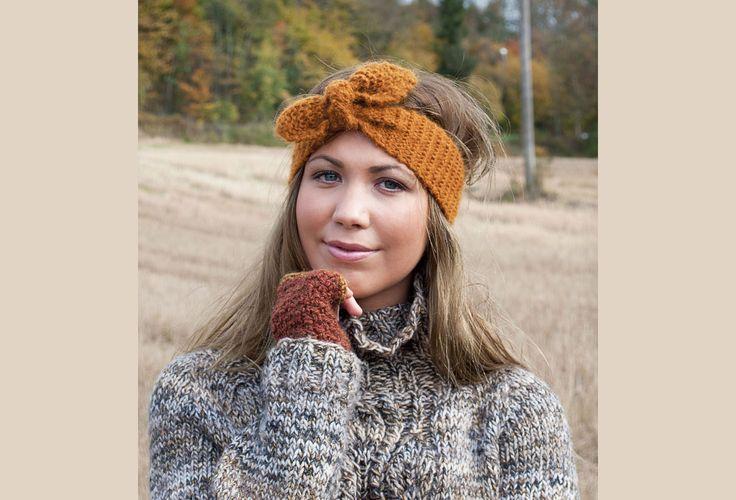 Årets første gi-bort-oppskrift kommer fra den dyktige designeren Kristin Wiola Ødegård. Et hårbånd – eller en ørevarmer om du vil. Enkel å strikke og en veldig hyggelig gave å gi. Besøk Facebook-si…