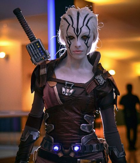 Cool Cosplay: Star Trek Beyond's Jaylah by Angela Bermúdez | Live for Films