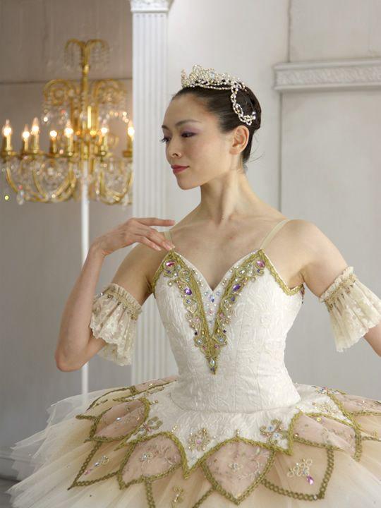 http://balletcostume.net/img/p010.jpg