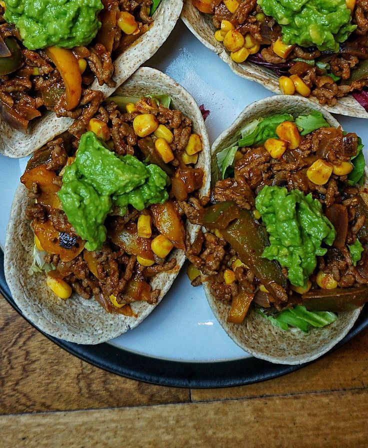 Soft shell tacos with fresh guacamole.  Calories:708 Fat:19 Carbs:79 Protein:66