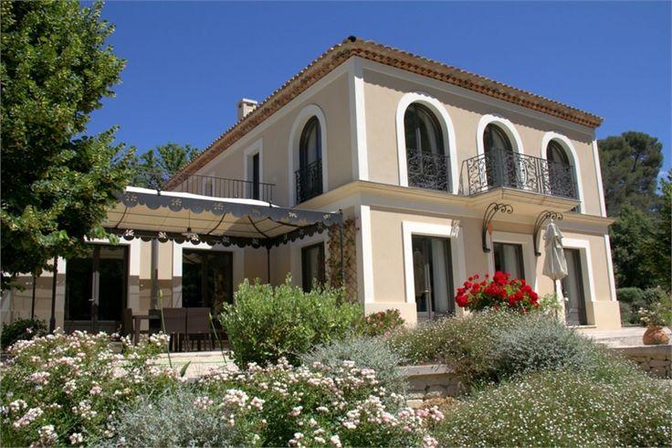 Magnifique maison de maître à vendre chez Capifrance à Marseille.