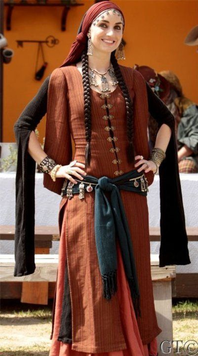 Pin By Susan Stone On Renaissance Wear In 2019 Medieval