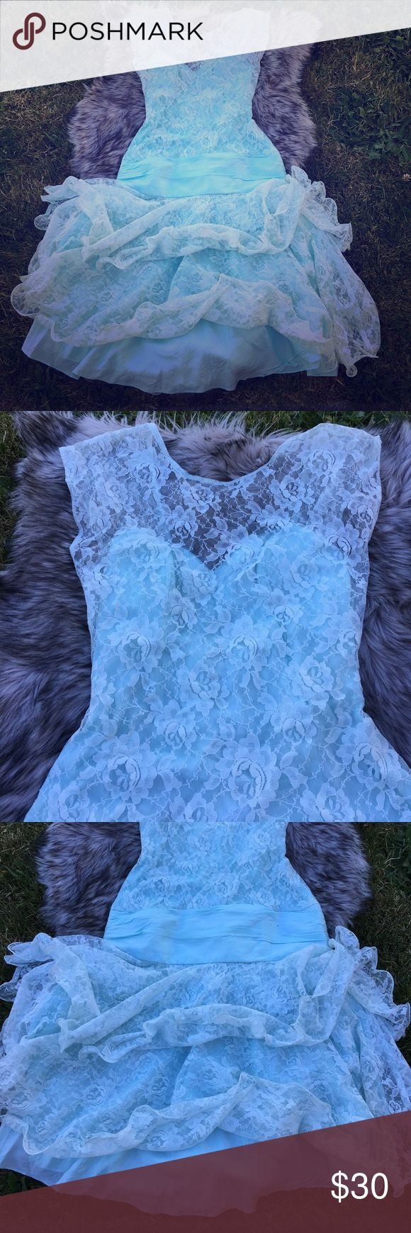 Sweet waters of sea 🌊 foam and sultry lace 👗 From a princess in a dream to your wardrobe, I present the most feminine and fair 👗.... it's just lovely as a lush plush fantasy.  Vintage. eletra Dresses Prom