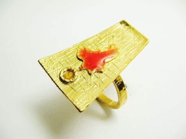 URBAN LUXURY RING.
