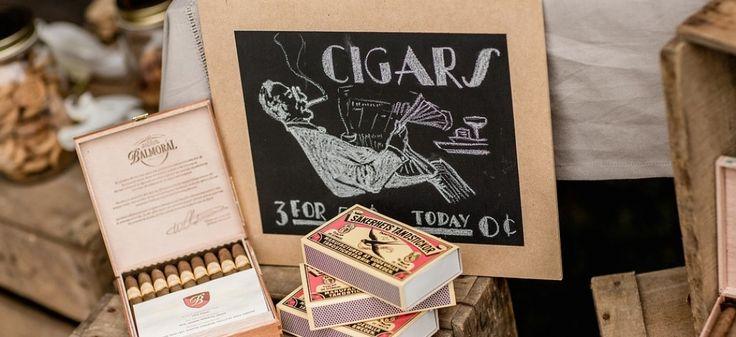 Prachtige Shabby Chic styling met krijtborden, sigarenbar, sweettable met ouderwetse lekkernijen  www.bloomwedding.nl