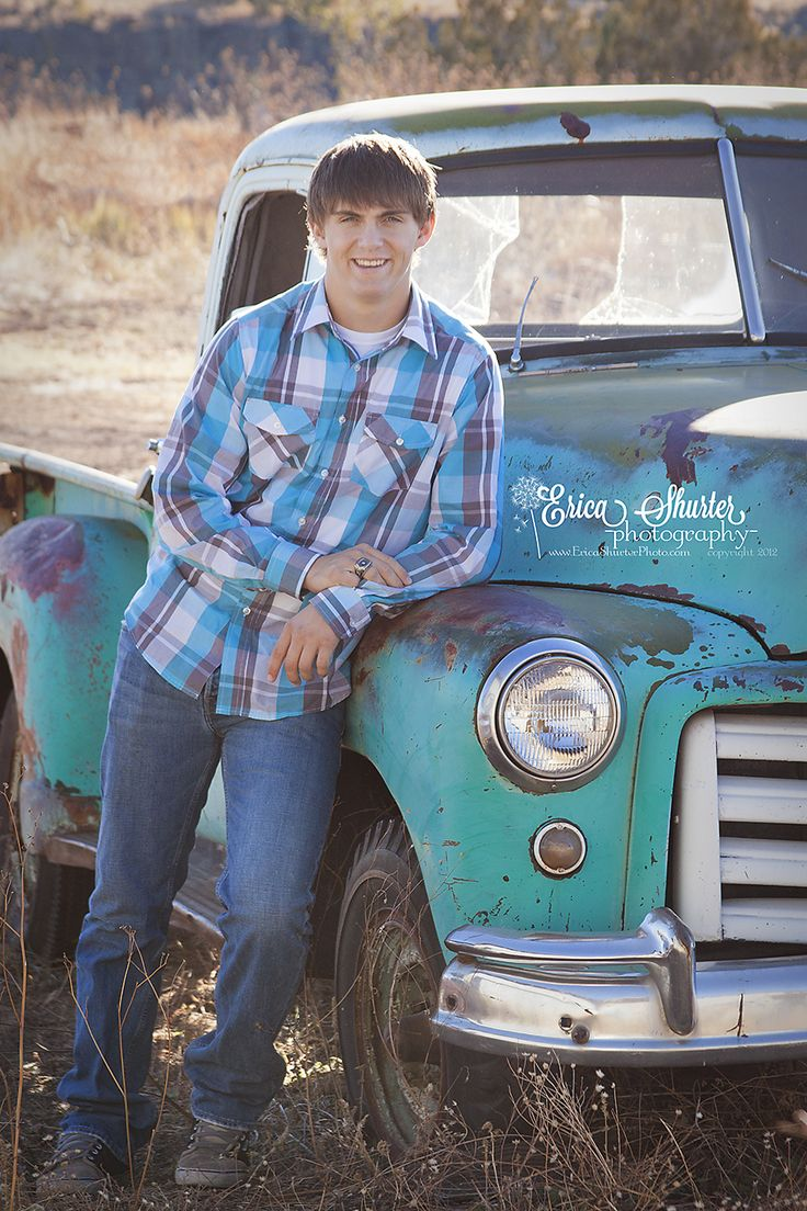 25 best ideas about old truck photography on pinterest vintage family photography xmas pics. Black Bedroom Furniture Sets. Home Design Ideas
