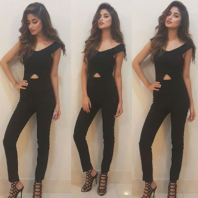 Hot Looks of Sajal Ali In Black Outfit