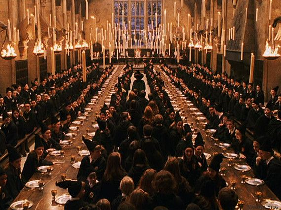Habiter à Poudlard comme Harry Potter devient possible avec la mise en vente d'un des lieux de tournage. Royal Connaught Park, ancienne école privée pour garçons située à une trentaine de kilomètres de Londres, a été complètement rénovée et réaménagée pour accueillir 380 appartements et maisons, rapporte The Independent.