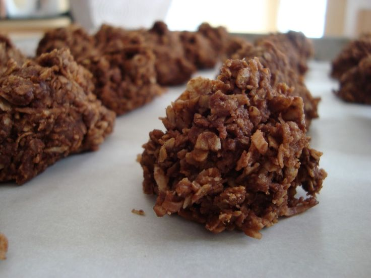 SWEET AND HEALTHY PALEO CHERRY CHOCOLATE HAYSTACKS RECIPE | Paleo Recipes for the Paleo Diet