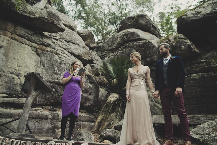 Alex and Marissa got married at the Kangaroo Valley Bush Retreat in a beautiful sandstone amphitheatre - it rocked!