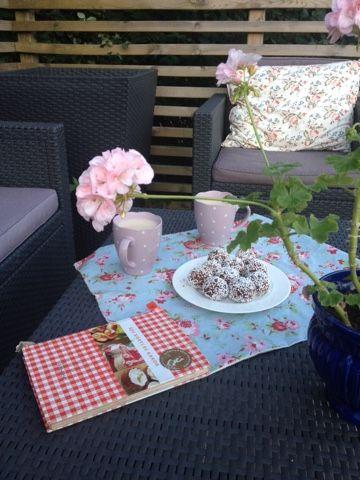 Blommor i fönstret: Chokladbollar