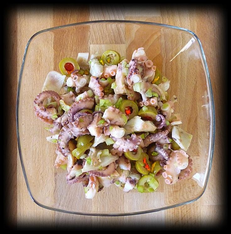 Moscardini ed olive ripiene al peperoncino