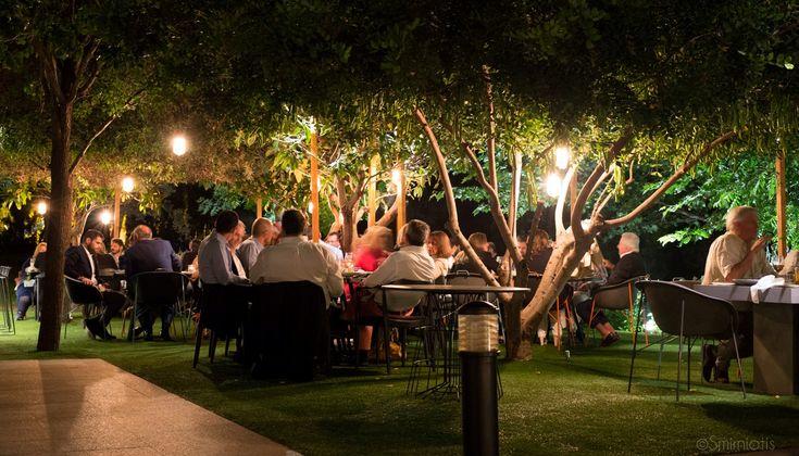 Στιγμιότυπα και φωτορεπορτάζ από το δείπνο των FNL EVENTS στον Κήπο του Μεγάρου Μουσικής με το ειδύλλιο της ιταλικής κουζίνας και ενός ροζέ κρασιού -Idylle από το La Tour Melas- να δίνει και να πέρνει
