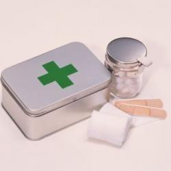 13 pifias comunes de los primeros auxilios. ¿De verdad sabe cómo reaccionar ante una hemorragia nasal?