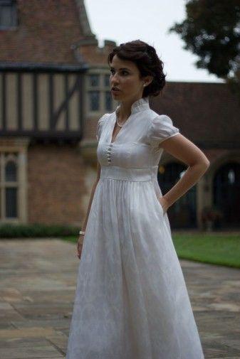 Best 25 regency dress ideas on pinterest for Regency style wedding dress