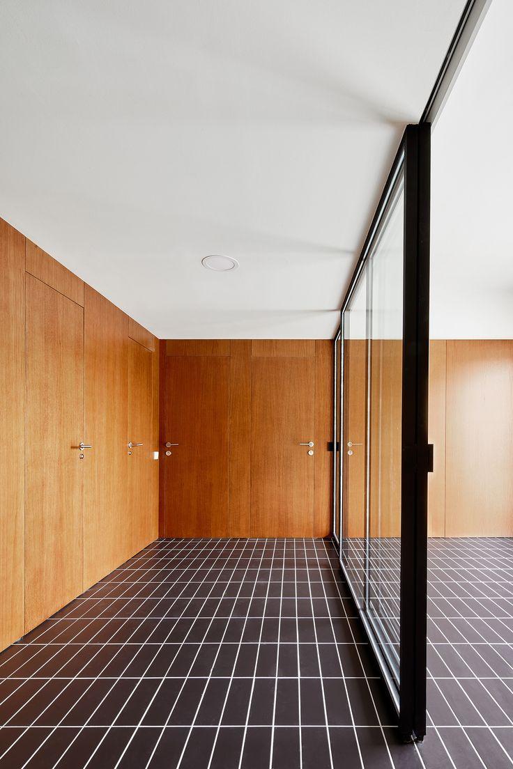Interior view. House 1016. Photograph © José Hevia.