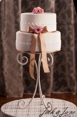3 lábú kovácsoltvas állvány-LILLY | Jack&Jane tortaállványok #cakestand