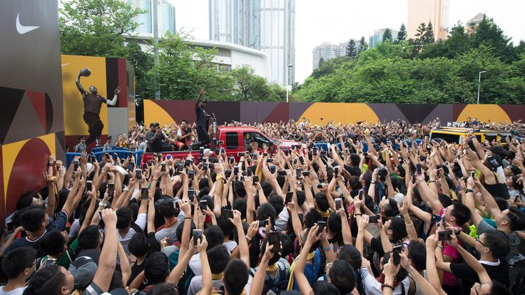 Nike News - LeBron James Spreads a Message of Inspiration and Self-Belief on China Tour