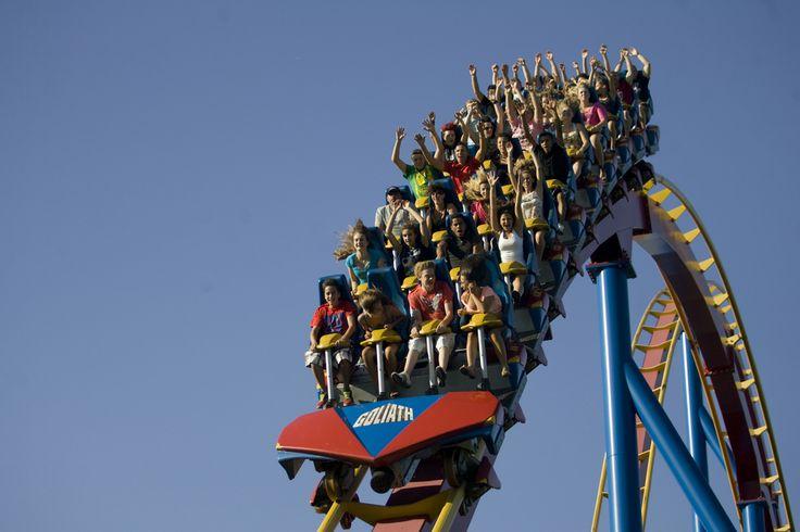 La Ronde (Membre de la Famille Six Flags) Crédit : © La Ronde (Membre de la Famille Six Flags) Largest amusement park in Montreal in Quebec #Ronde #AmusementPark #Rides