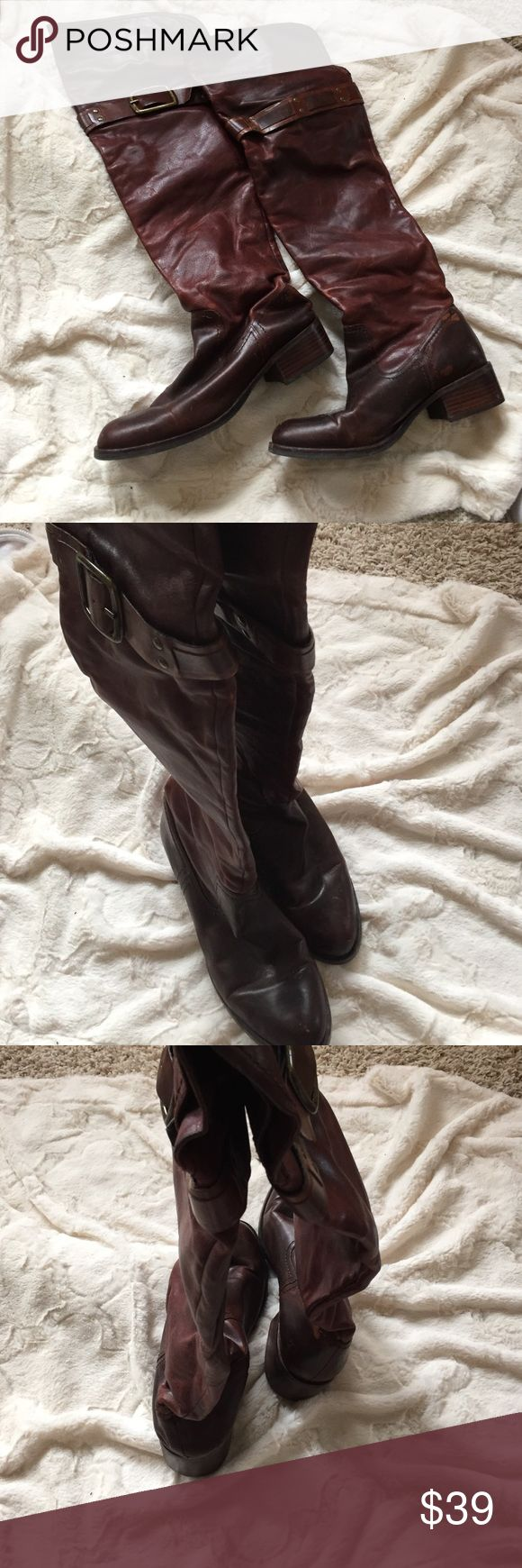 Jessica Simpson leather over the knee boots 8 B Jessica Simoson brown leather over the knee boots in size 8 B. Gently used condition Jessica Simpson Shoes Over the Knee Boots