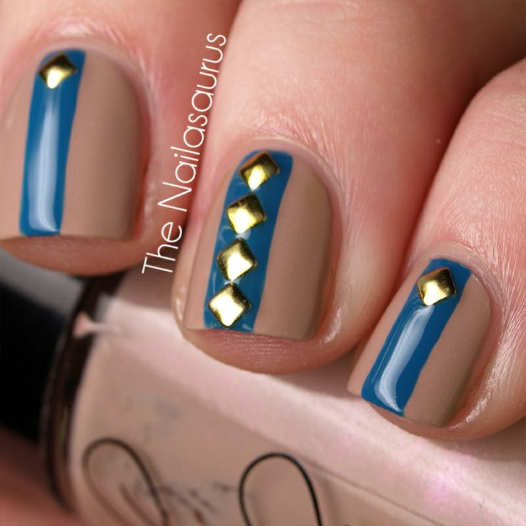 Nude and Blue Nail Art Stud Stripe Square