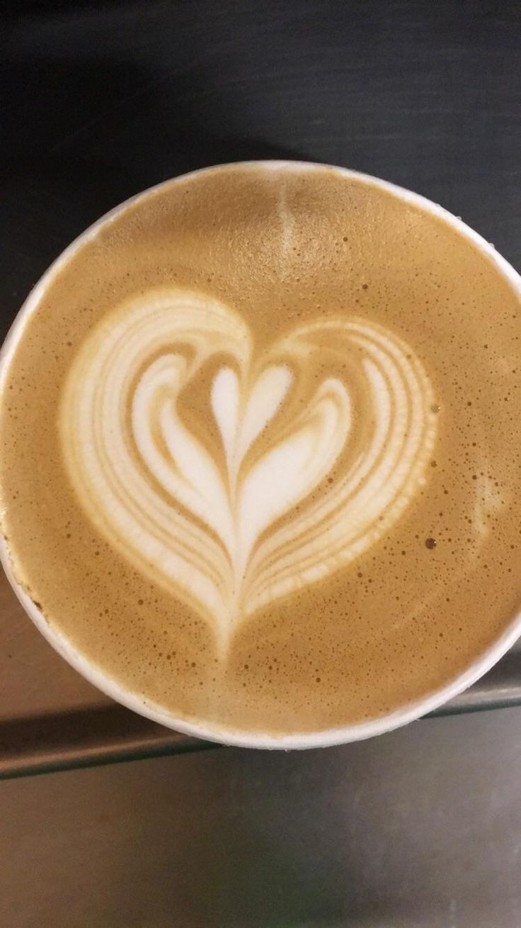 After working 8 days straight over the weekend with 5 people out and everything going down at least we ended with some nice latte art. #starbucks #coffee #love #frappuccino #latte #tea #yummy #gift