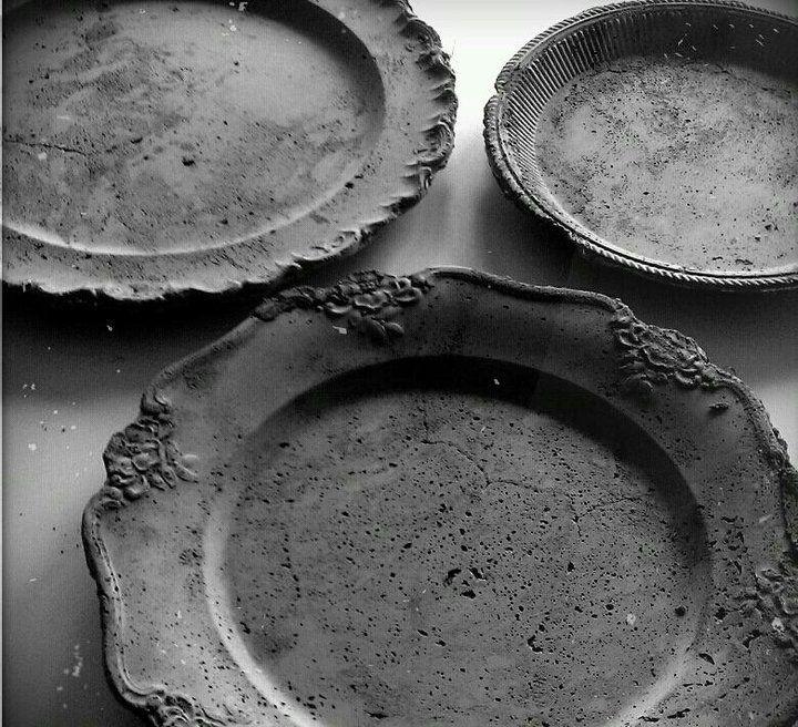 Schöne Beton-Schalen aus verschiedenen alten Tellern