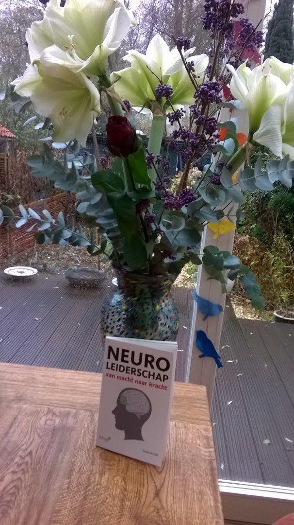 """Leuke reactie van lezer Neuroleiderschap aan de auteur Guido de Valk: """"Beroemd ook in Vlaardingen. Ga je boek met plezier lezen. Groet Fokke"""". #neuroleiderschap #guidodevalk #futurouitgevers"""