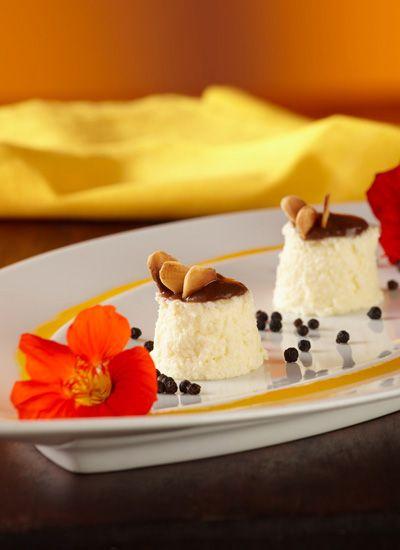 Mousse de quesillo, nueces y salsa de mongo mongo. No cabe duda que este mousse, para grandes y pequeños, puede ser un enorme descubrimiento si es amante de los postres. Añada esta receta a sus favoritas y prepárela en cualquier ocasión.