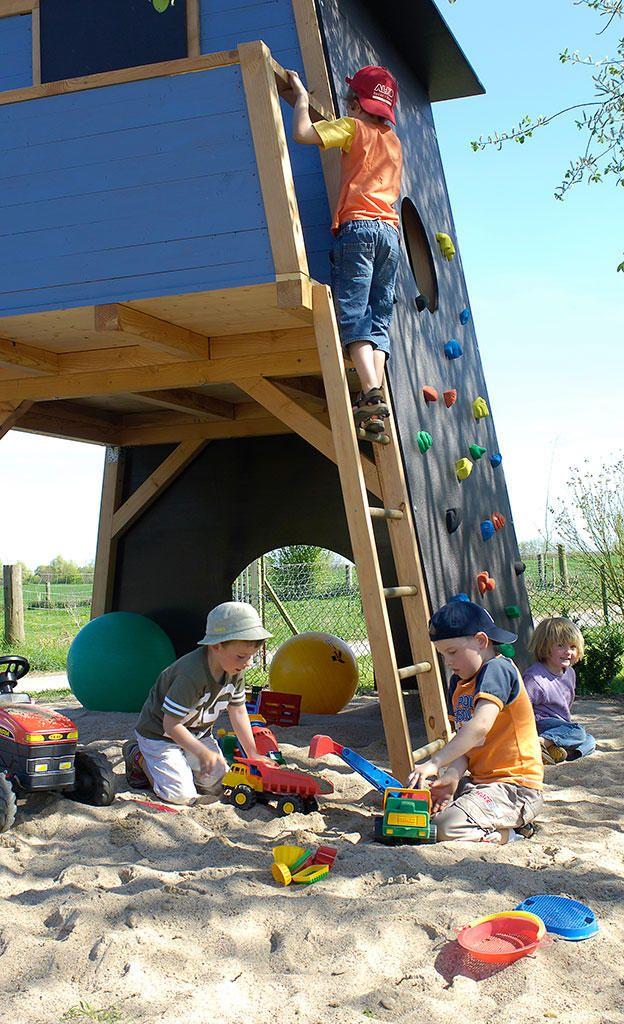 Der Spieltraum jedes Kindes: Wir zeigen, wie man ein solides Kletterhauses für Kinder selbst bauen kann. Ihre Kinder werden begeistert sein.