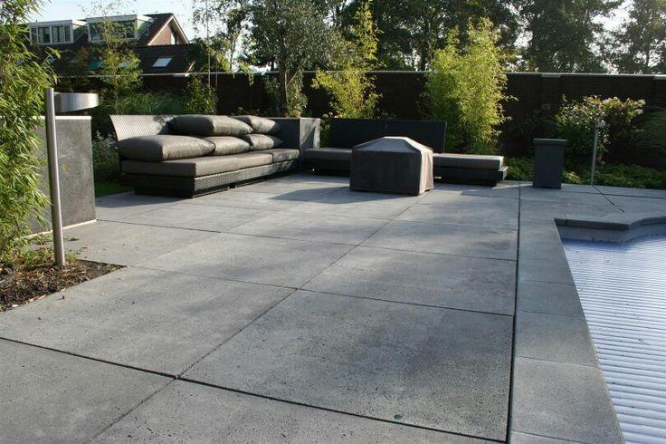 Tuintegels betontegels mooi zo groot!