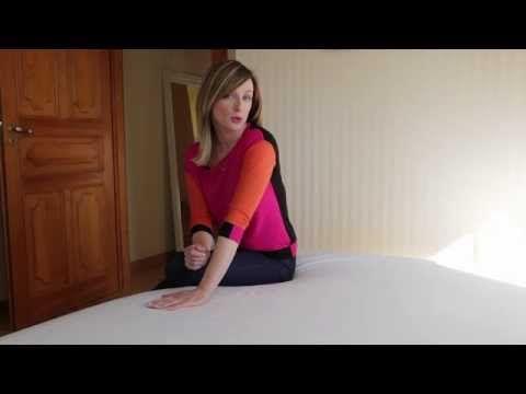 Prasowanie i składanie prześcieradła z gumką | Ula Pedantula #5 - YouTube