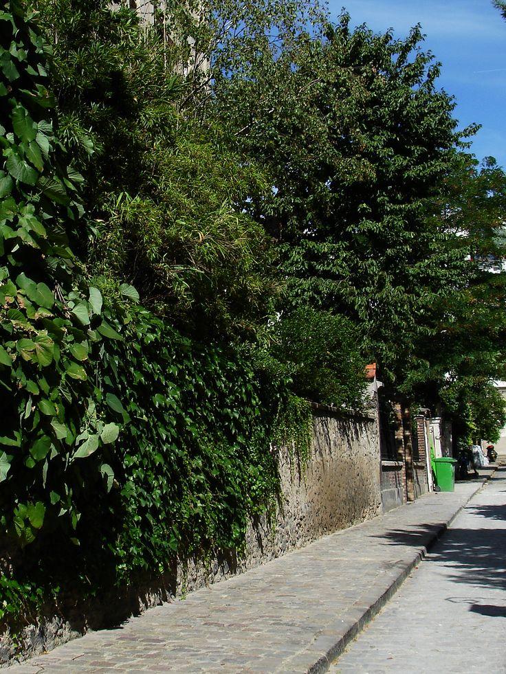 visite des Batignolles et de ses cités fleuries. http://visite-guidee-paris.fr
