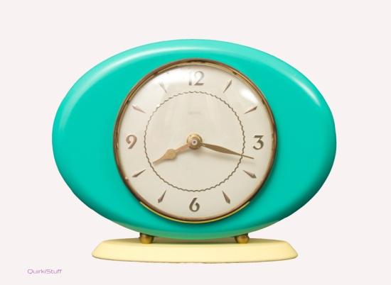 Retro mantel clock