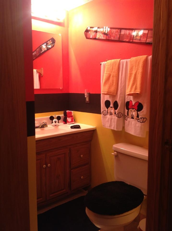 93 best images about mickey mouse bathroom on pinterest for Mickey mouse bathroom ideas