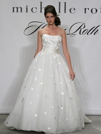 Bridal Gowns: Henry Roth Princess/Ball Gown Wedding Dress with Sweetheart Neckline and Natural Waist Waistline