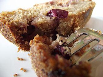 Plum cake with rice flour and fox grape. my recipe
