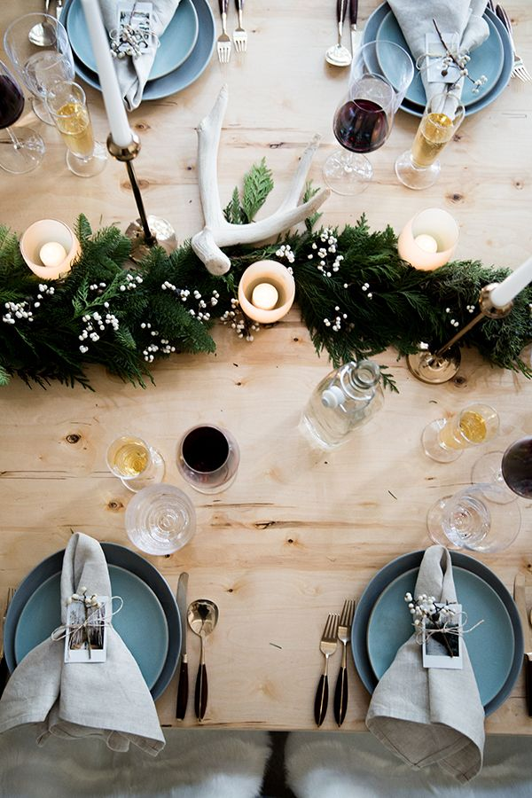 When it comes to the holidays, clean and rustic decor may not be the first thing that comes to mind. But if this defines your e...
