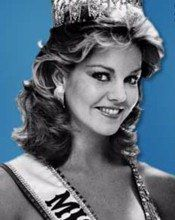 Julie Hayek-Miss USA 1983-Hayek is now a trained actress and has starred in successful shows such as Dallas, Twin Peaks and As the World Turns. In addition, she served as co-host on the 1985 revival of Break the Bank.