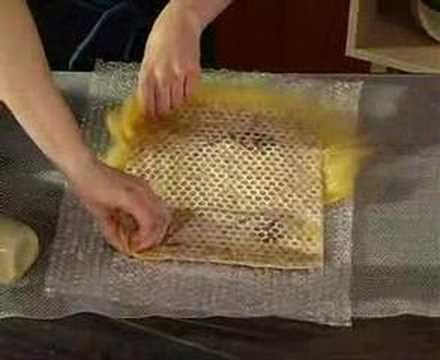 Kurs filcowania na mokro - torebka Wet felting course - YouTube